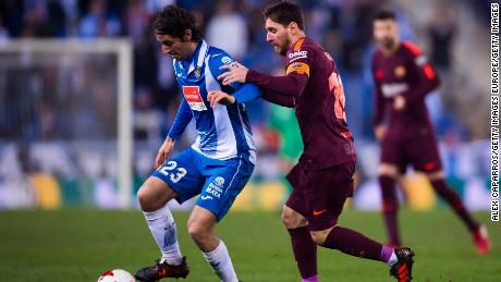 Lionel Messi tries to face Granero during the La Liga de Barcelona clash against Espanyol in 2018.