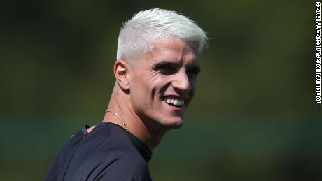 Erik Lamela has opted for the classic peroxide blonde.