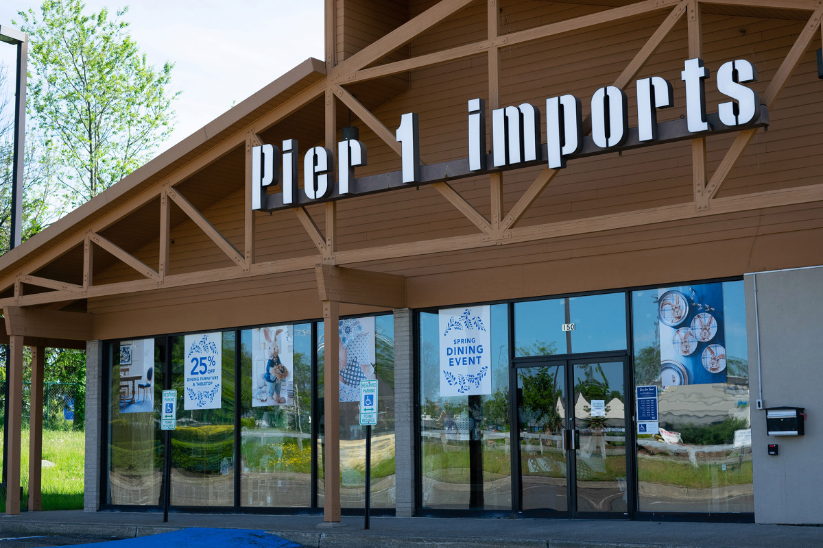 Pier 1 raises $ 20 million a week in online sales to get out of business