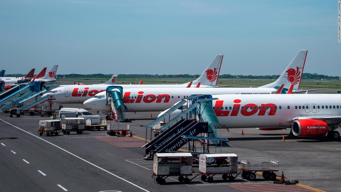 Lion Air of Indonesia restarts flights, cancels them again
