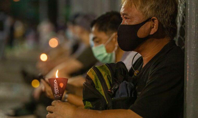 Hong Kongers defies police ban to remember Tiananmen Square