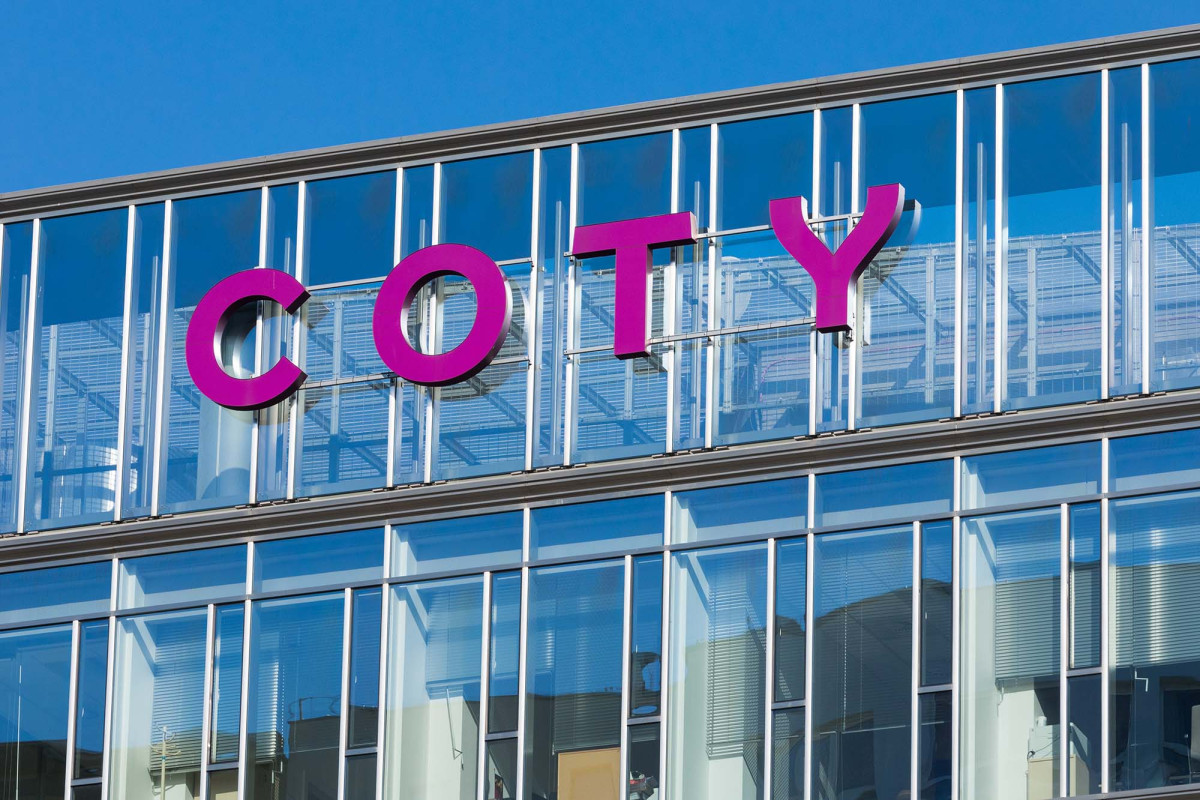 Coty shakes up Kylie Jenner problem, arises after KKR buys stake