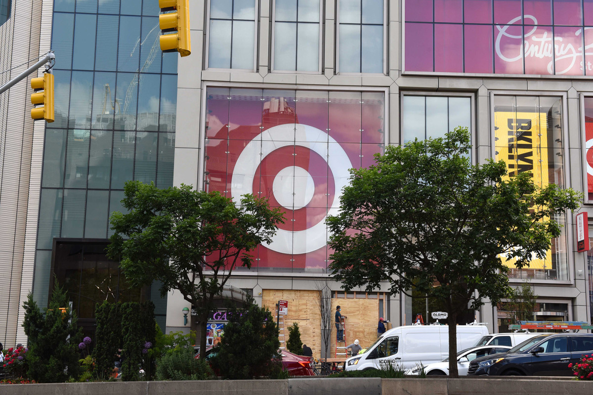 George Floyd protests force Walmart and Target to close stores