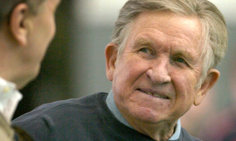 Hall of Fame college coach Johnny Majors dies at 85