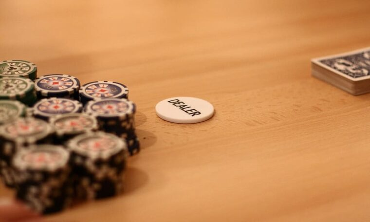 poker-poker-chip-play-poker-play