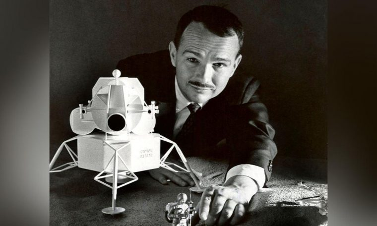 How a man's ashes made it to the moon