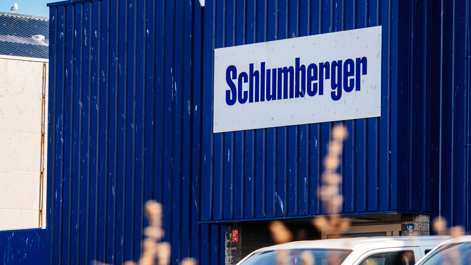 Schlumberger slashes 21,000 jobs amid pandemic oil rout