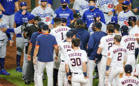 Tempers flare in Dodgers-Astros game following sign-stealing punishment
