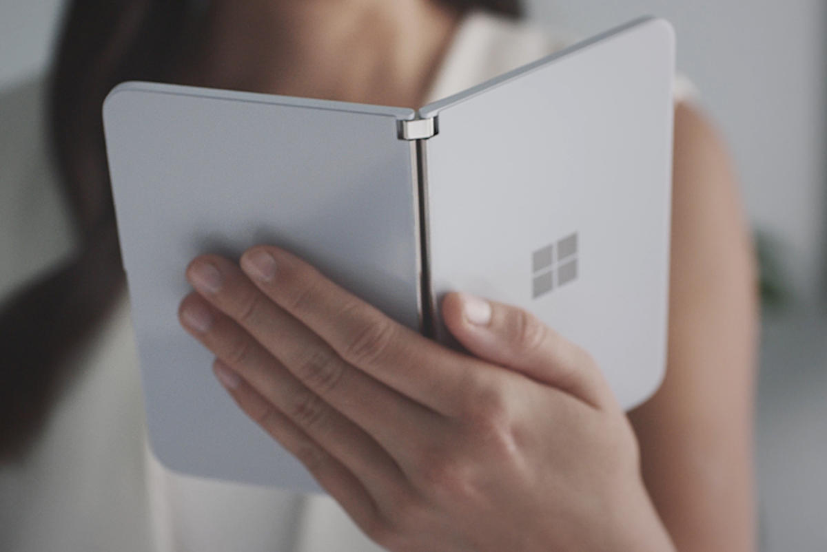 Microsoft Surface Duo (outside)