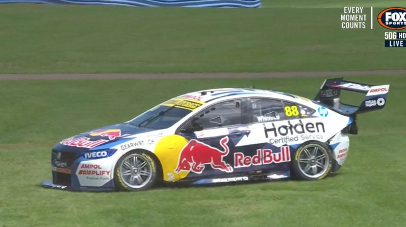 Whincup and Courtney crash as McLaughlin goes quickest in Prac 2