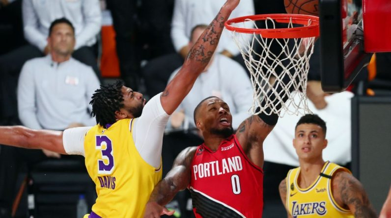 Anthony Davis carries Lakers to Game 2 win on off night for LeBron James