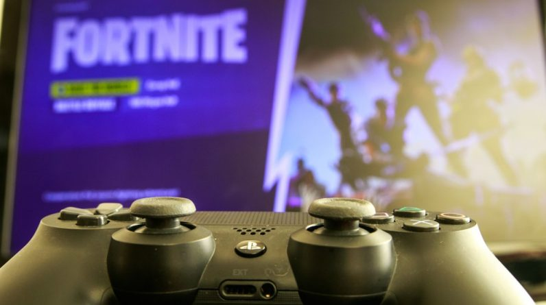'Fortnite' app removal threatens social lifeline for young gamers - Science & Tech