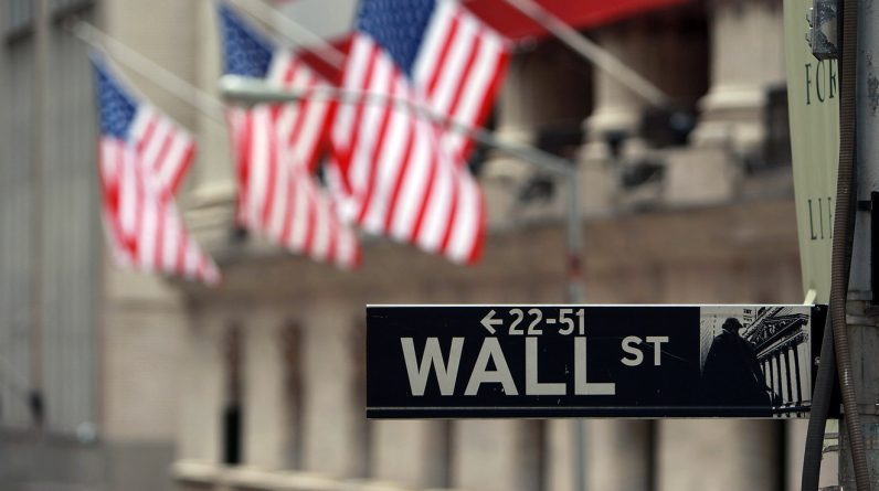 Wall Street ticks up, nudges S&P 500 again to edge of record