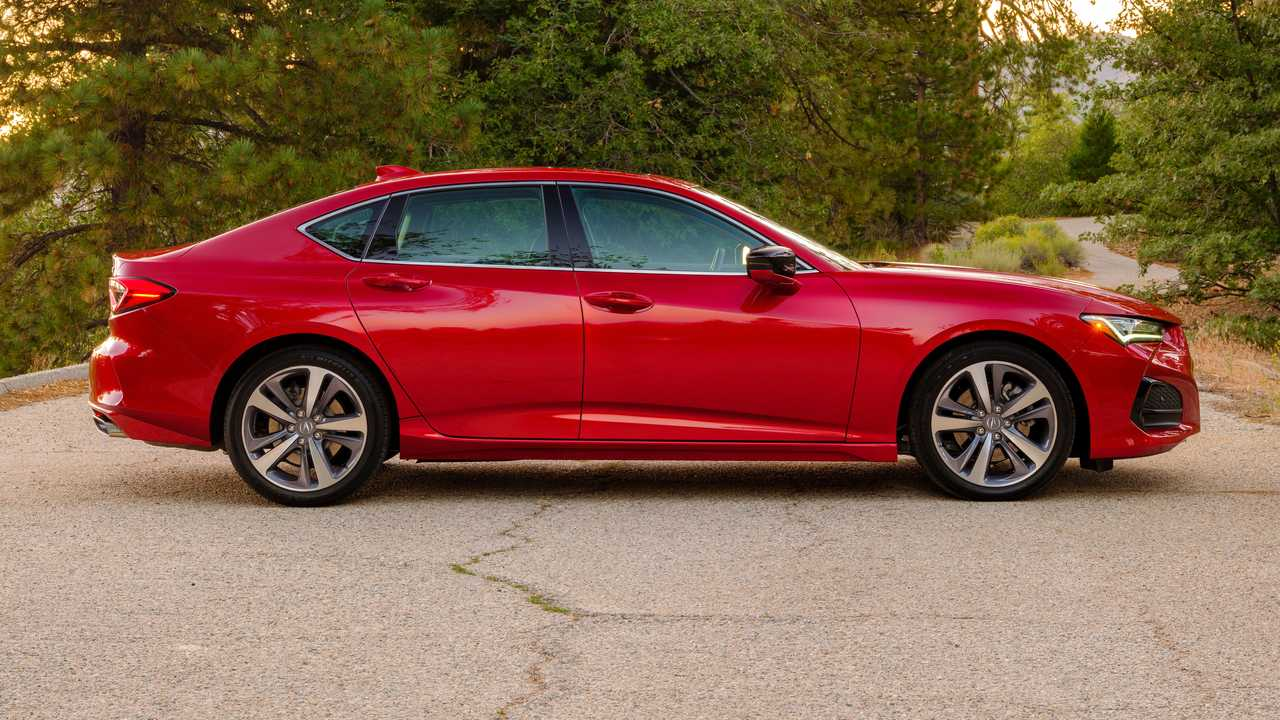 2021 Acura DLX Advance Exterior