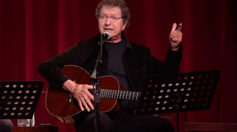 Country star, hit Elvis songwriter Mac Davis has died at the age of 78