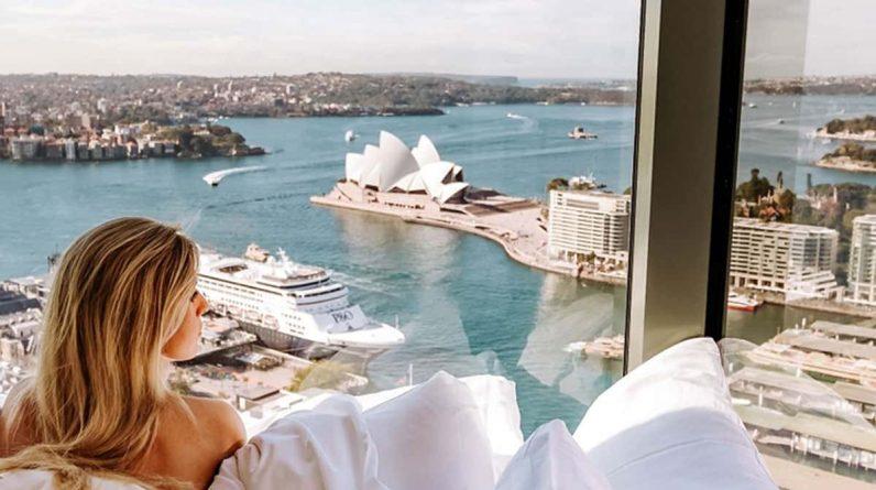 Australia urged to consider 'luxury isolation' for returning travelers