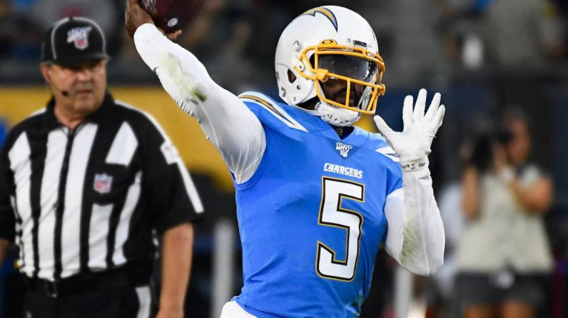 Thyroid Taylor Injury: Chargers team doctor punctures QB's lungs before game