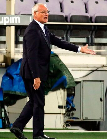 Sampdoria coach Claudio Ranieri shouts instructions during the Serie A soccer match between Fiorentina and Sampdoria at the Artemio Franchi Stadium in Florence, Italy, Friday, Oct. 2, 2020. (Marco Bucco/LaPresse via AP)