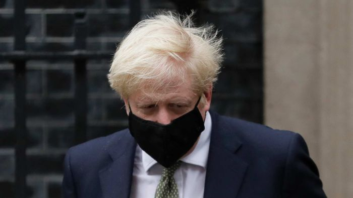 Despite calls from Sir Khair Stormer and scientific advisers, Boris Johnson says no to corona virus locking in the UK