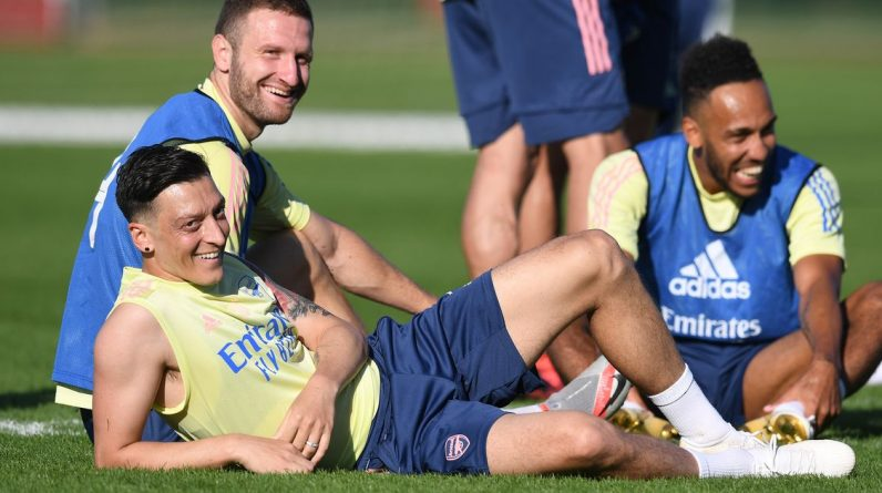 Arsenal headlines for clash with Tandal, says Mustafi Ozil