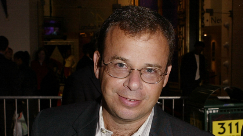 Actor Rick Moranis victim of unprovoked attack on camera in Manhattan - CBS New York