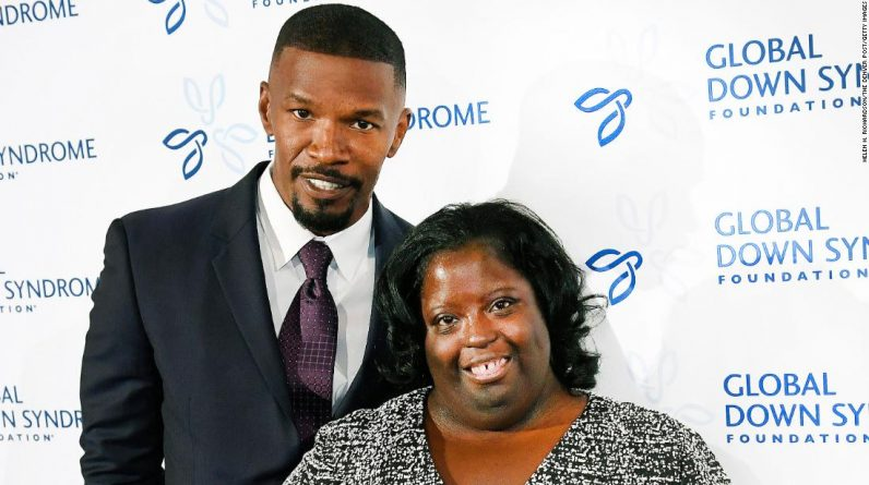 Jamie Foxx's sister, Deandra Dixon, has died at the age of 36
