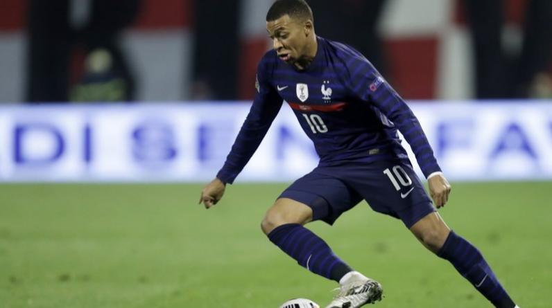 Mbappe brace PSG top - sends newspaper