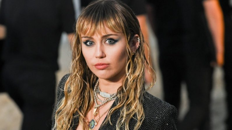 Miley Cyrus claims to have testified to UFOs