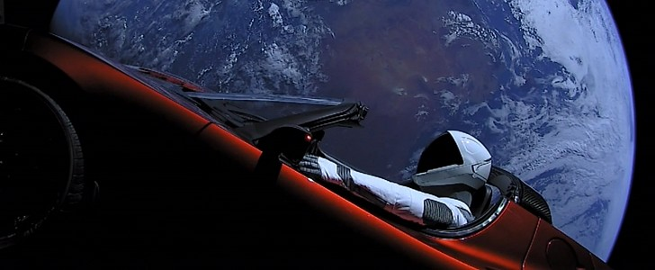 Tesla Roadster and Starman take the first close approach with Mars