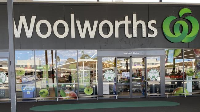 Woolworths expands cashless shop trial in Sydney and Melbourne