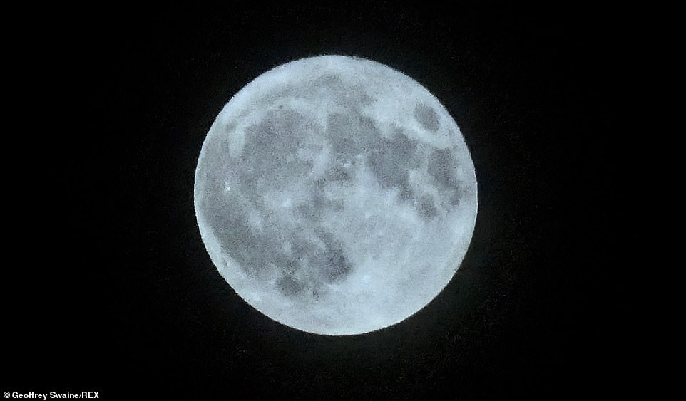 In Dunston, Oxfordshire, the Blue Moon was photographed.  For the first time since 1974 the event took place on Halloween across the UK and Ireland