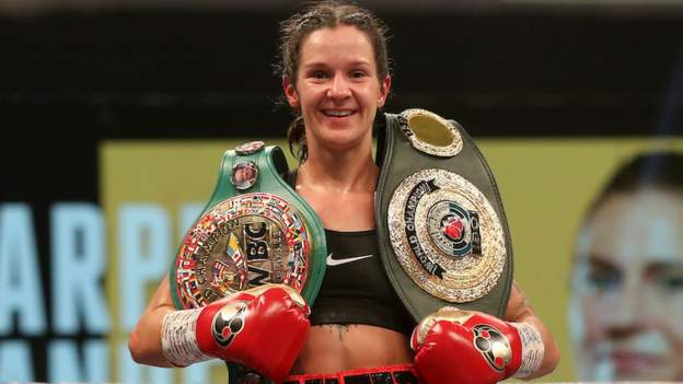 Terry Harper beats Katrina Thunder to defend WBC World Super-Featherweight title