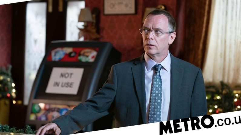 EastEnders spoilers: Ian dies in violent revenge attack