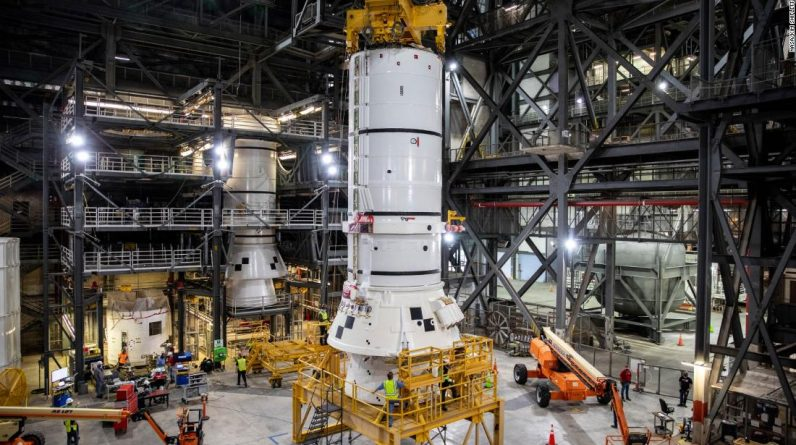 Artemis Moon begins to attach NASA rocket for mission