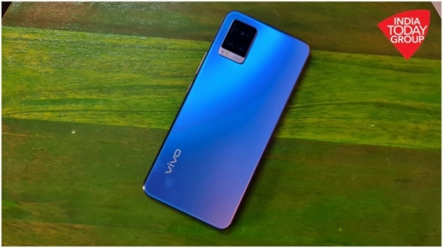 Best for Rs 25,000 phones to buy this Diwali: Vivo V20 SE, OnePlus Nord, RealMe 7 Pro cut