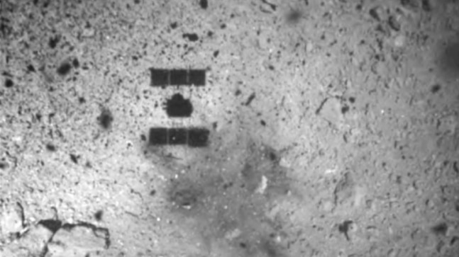 Japan's Hayabusa 2 spacecraft is near Earth carrying asteroid soil samples