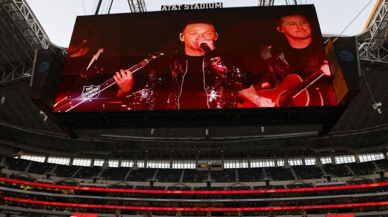 Kane Brown performs a pre-recorded Thanksgiving half-time show in Dallas