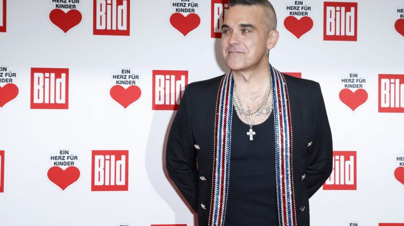 Robbie Williams thinks his number one favorite singles days are behind him