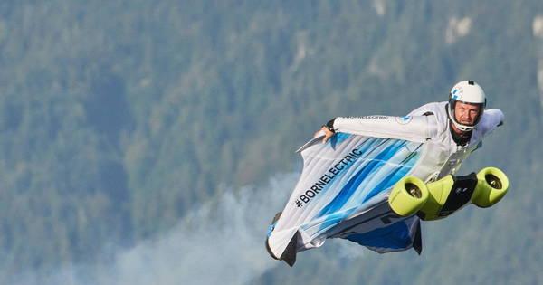 German company develops 'human jet' reaching speeds of 300 km per hour - News