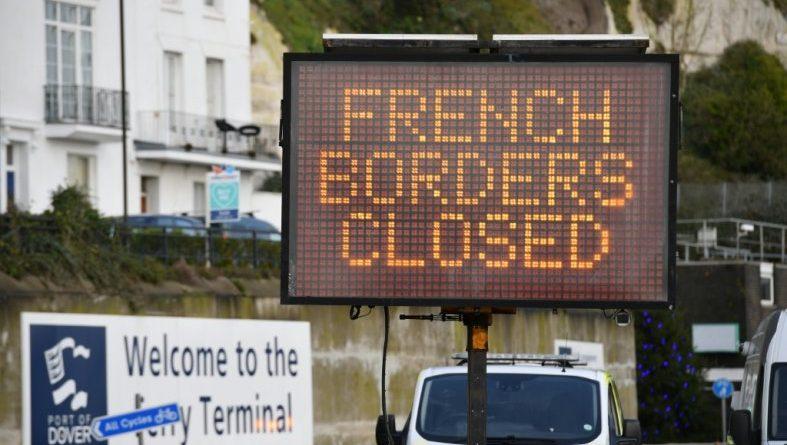 Londres (AFP). Virus: Londres tente de trouver une solution pour la reprise du trafic transmanche