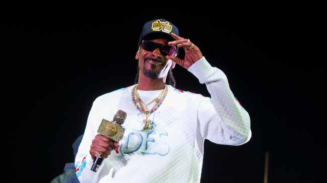 Offset wife Cardi B after Snoop Dogg critiques her hit single 'Wap'