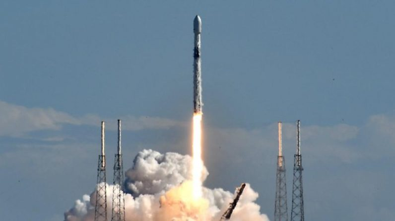 SpaceX Falcon 9 Rocket Launches Radio Broadcasting Satellite for Sirius XM