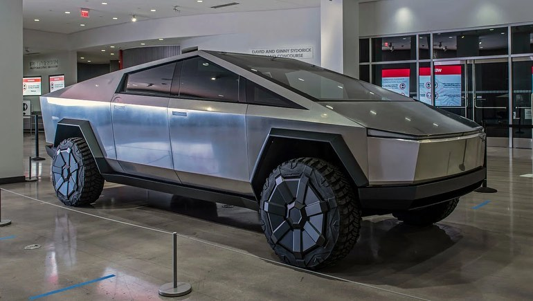 Tesla CyberTruck design issues explained by renowned auto designer