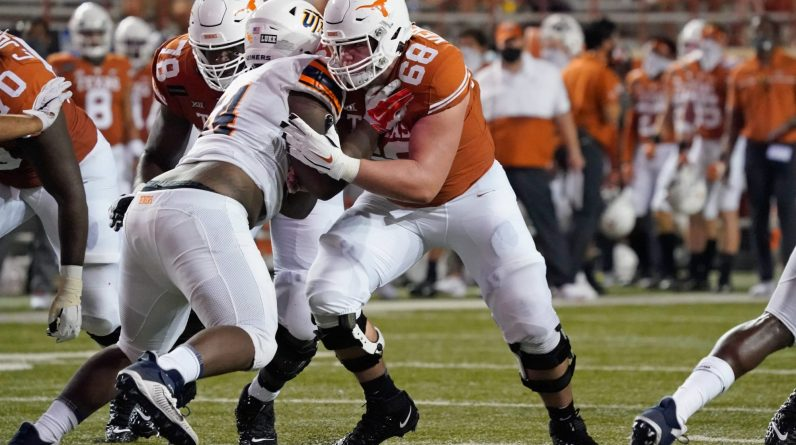 Texas Lineman Derek Kerstetter injured in leg injury against Kansas State