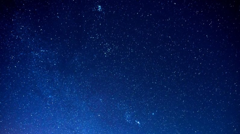 The Christmas star is visible in December - how to see it in the UK