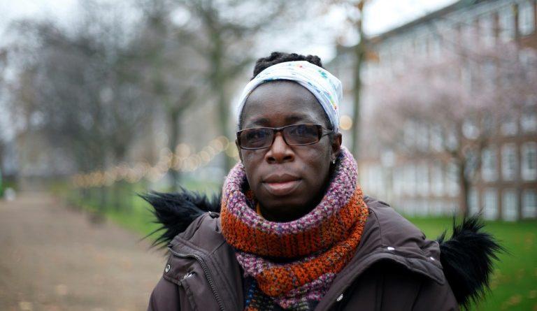 Rosamund Adoo-Kissi-Debrah, la mère d'Ella Adoo-Kissi-Debrah, décédée d'une crise d'asthme en 2013, le 30 novembre 2020 à Londres (AFP/Archives - Hollie Adams)