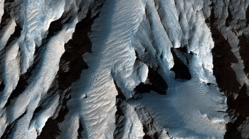 Mars Valley, larger than the Grand Canyon, is the largest in the solar system: NASA