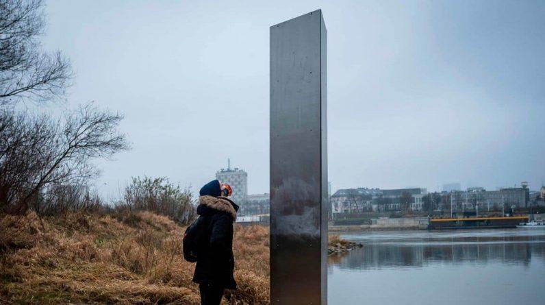 Plusieurs monolithes ont déjà été découverts en Europe, comme ici à Varsovie (Pologne).