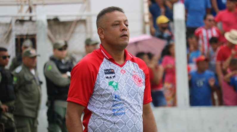 "New River-PI coach Emanol Sacramento reveals he knows the pressure for the title: ""This is Pia's biggest club"" 