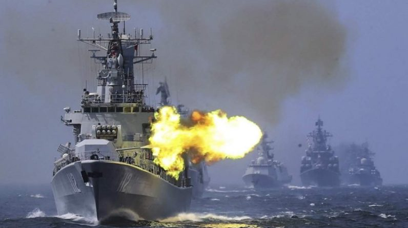 PLA conducts direct fire missile drill against the US Navy in the South China Sea: Chinese military PLA launches missiles during direct fire drills in the South China Sea